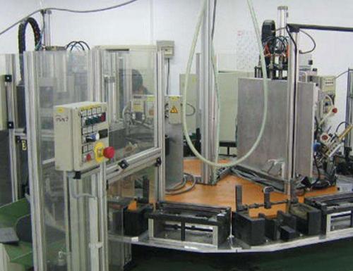 自动化装配设备